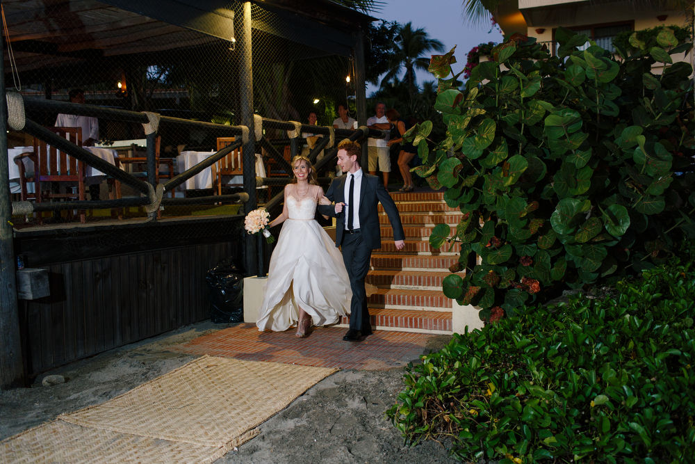 Wedding at Hotel Velas Vallarta by Photographer Evgenia Kostiaeva